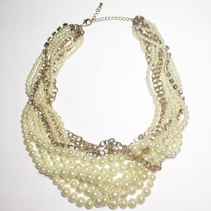 Jewelry - Chunky layer necklace pearl rhinestone chain